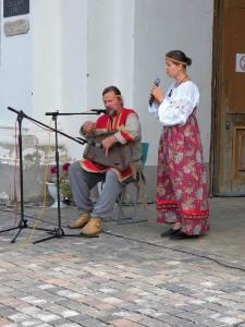 Егор Стрельников - самобытный гусляр-инструменталист, виртуоз, исполнитель духовных песнопений и былин Древней Руси.